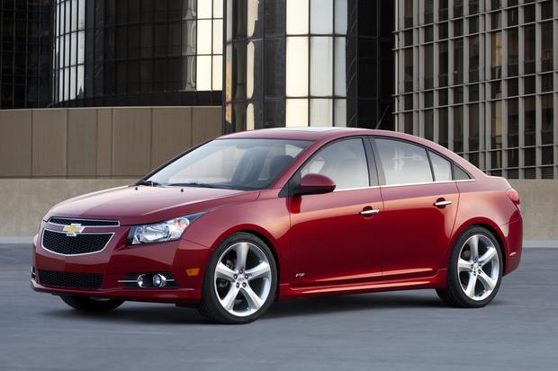 2011 chevrolet cruze used car review autotrader. Black Bedroom Furniture Sets. Home Design Ideas