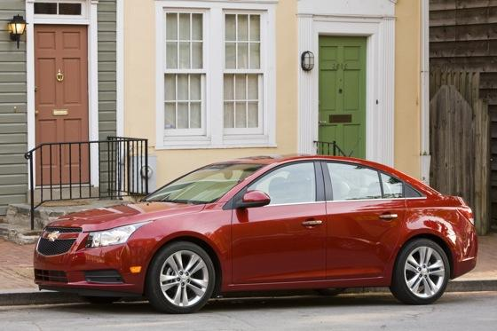 2012 Chevrolet Cruze: New Car Review featured image large thumb2