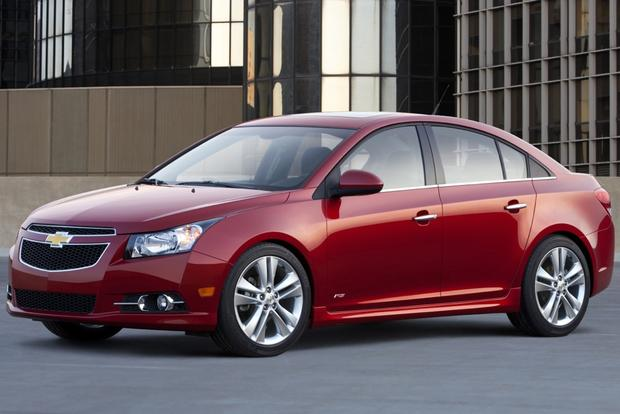 2012 chevrolet cruze used car review autotrader. Black Bedroom Furniture Sets. Home Design Ideas