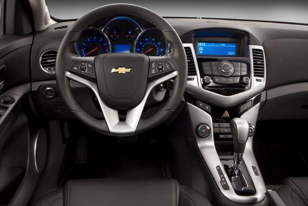 2014 Chevrolet Cruze: New Car Review Featured Image Large Thumb4