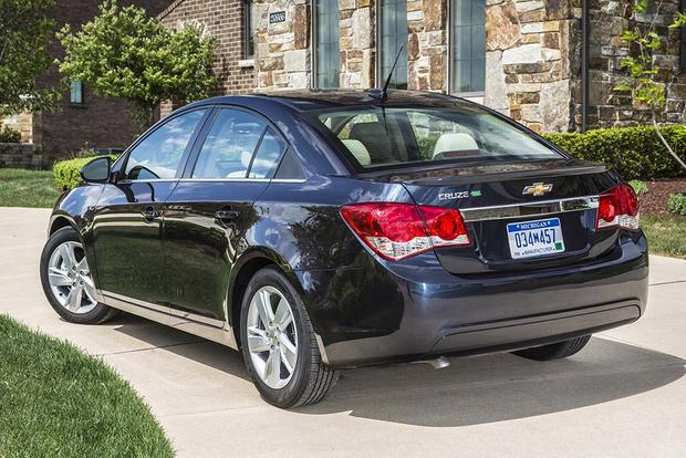 2015 vs. 2016 Chevrolet Cruze: What's the Difference? featured image large thumb9