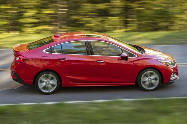 2016 Honda Civic vs. 2016 Chevrolet Cruze: Which Is Better? featured image large thumb6