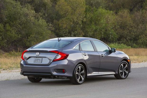 2016 Honda Civic vs. 2016 Chevrolet Cruze: Which Is Better? featured image large thumb3