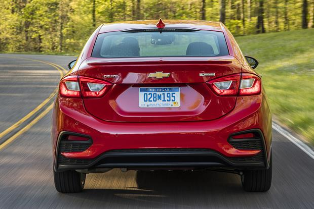 2017 Chevrolet Cruze: New Car Review featured image large thumb1