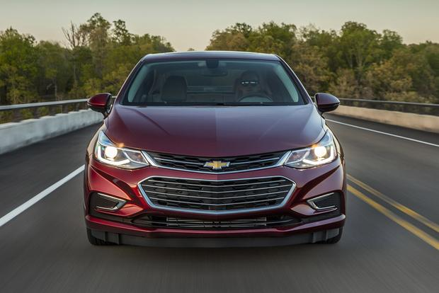 2017 Chevrolet Cruze: New Car Review featured image large thumb3
