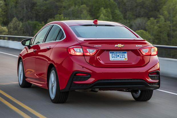 2017 Chevrolet Cruze New Car Review Featured Image Large Thumb4