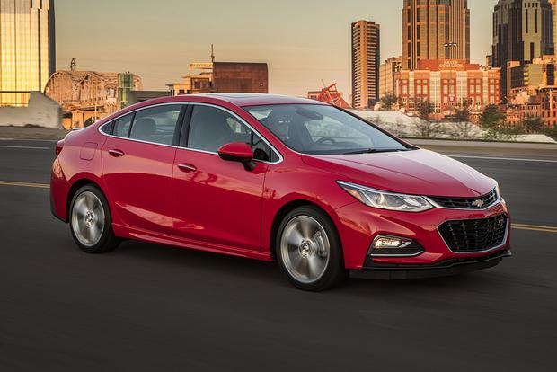 2017 Chevrolet Cruze: New Car Review featured image large thumb5