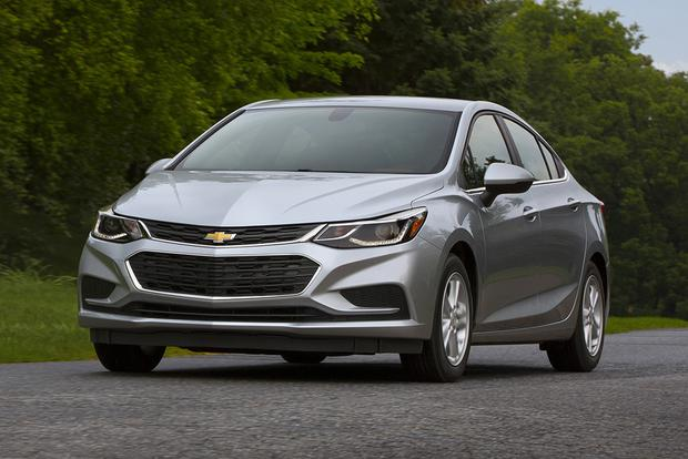 Chevy Cruze Diesel For Sale >> 2018 Chevrolet Cruze New Car Review Autotrader