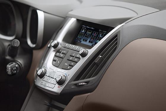 2013 Chevrolet Equinox: New Car Review featured image large thumb5