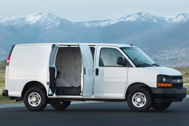 2012 Chevrolet Express 2500: OEM Image Gallery featured image large thumb3