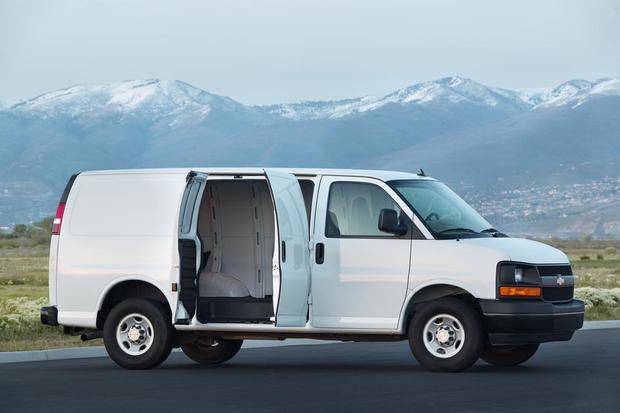 2018 Chevrolet Express Van 2500: New Car Review featured image large thumb2