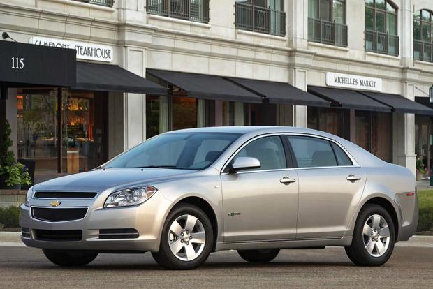 2008 Chevrolet Malibu: Used Car Review featured image large thumb1