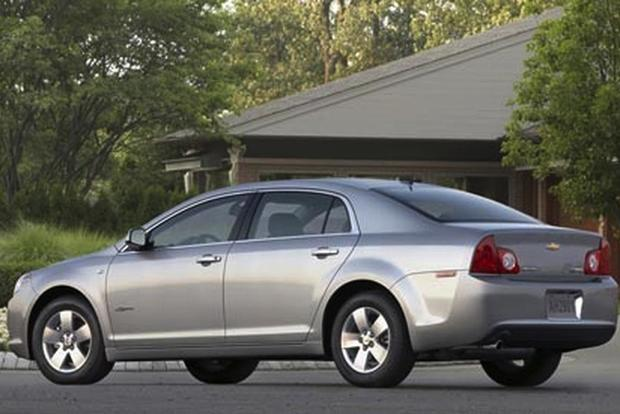 2008 Chevrolet Malibu: Used Car Review featured image large thumb2