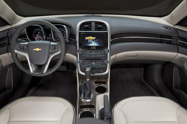 2013 vs. 2014 Chevrolet Malibu: What's the Difference? featured image large thumb2