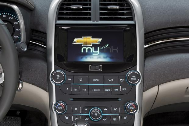 2013 vs. 2014 Chevrolet Malibu: What's the Difference? featured image large thumb8