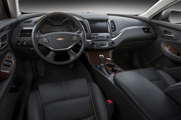 2015 Chevrolet Impala vs. 2015 Chevrolet Malibu: What's the Difference? featured image large thumb1