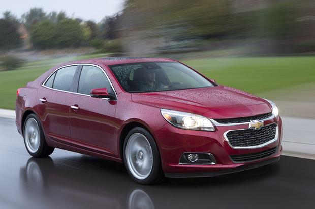 2015 Chevrolet Impala vs. 2015 Chevrolet Malibu: What's the Difference? featured image large thumb8