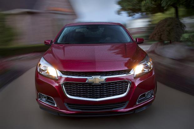 2015 Chevrolet Impala vs. 2015 Chevrolet Malibu: What's the Difference? featured image large thumb10