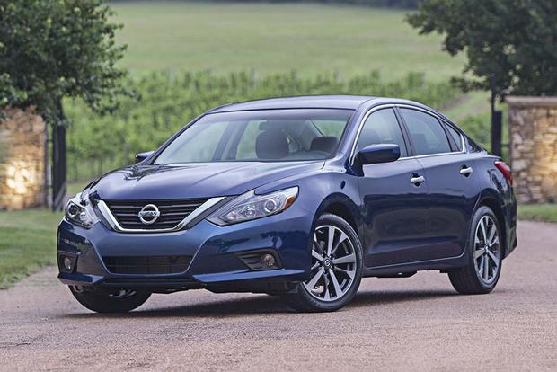 2016 Chevrolet Malibu vs. 2016 Nissan Altima: Which Is Better ...