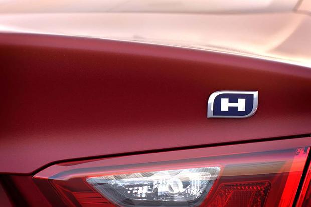 2016 Chevrolet Malibu Hybrid: First Drive Review featured image large thumb2
