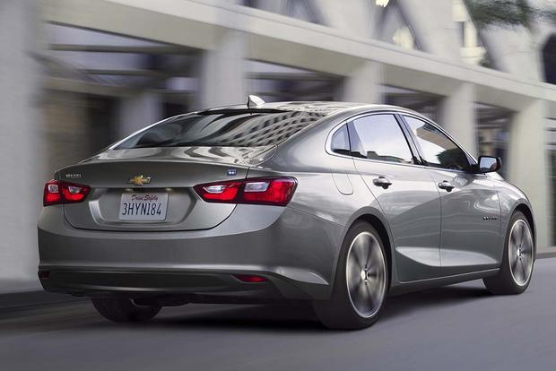 2017 chevrolet malibu hybrid new car review autotrader. Black Bedroom Furniture Sets. Home Design Ideas