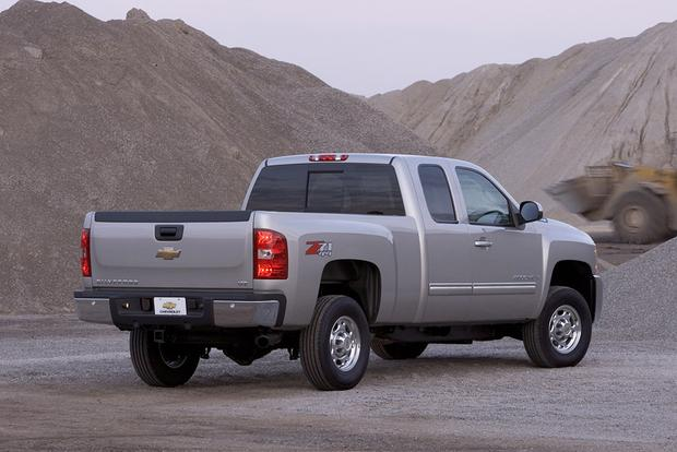 2009 Chevrolet Silverado 1500: Used Car Review featured image large thumb2