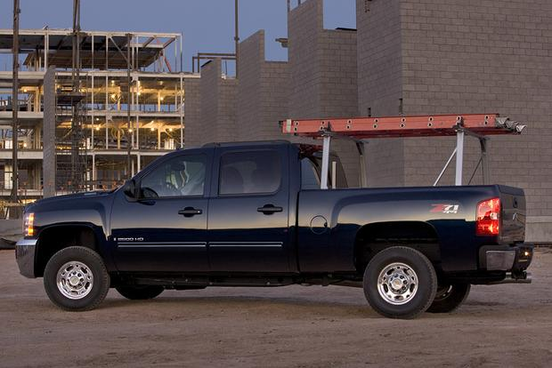 2009 Chevrolet Silverado 1500: Used Car Review featured image large thumb1