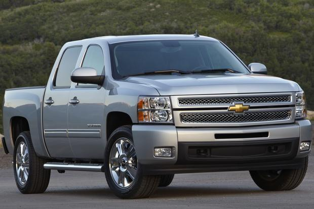 2012 Chevrolet Silverado 1500 & Hybrid: New Car Review featured image large thumb3