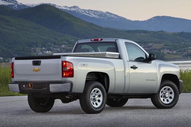 2012 Chevrolet Silverado 1500 & Hybrid: New Car Review featured image large thumb6
