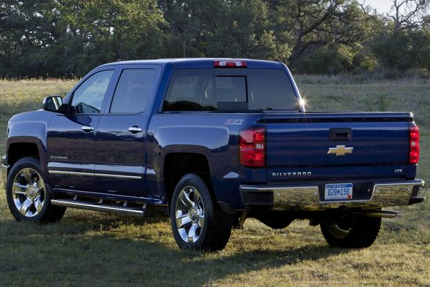 2013 vs. 2014 Chevrolet Silverado featured image large thumb6