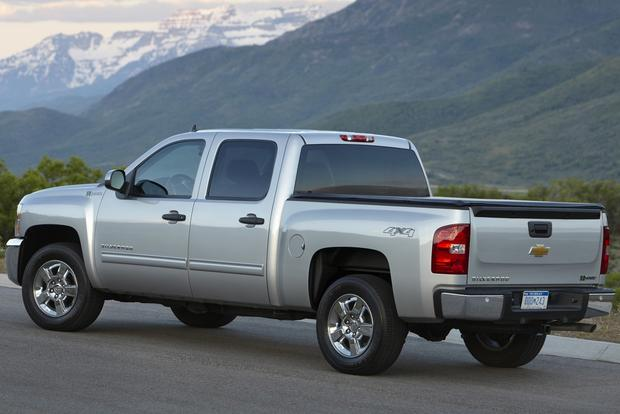 2013 vs. 2014 Chevrolet Silverado featured image large thumb7
