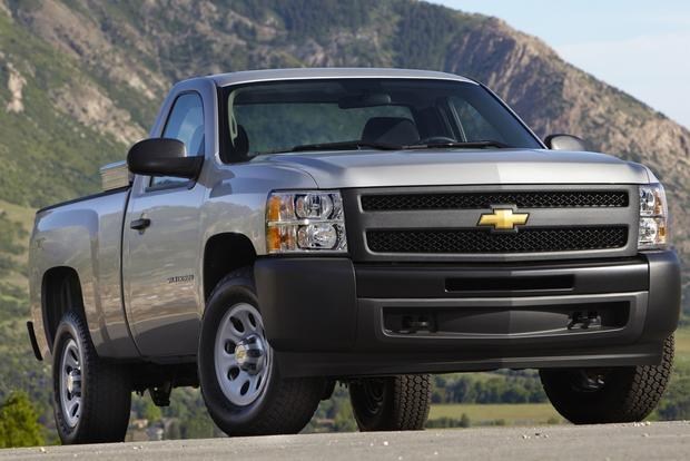 2013 vs. 2014 Chevrolet Silverado featured image large thumb5