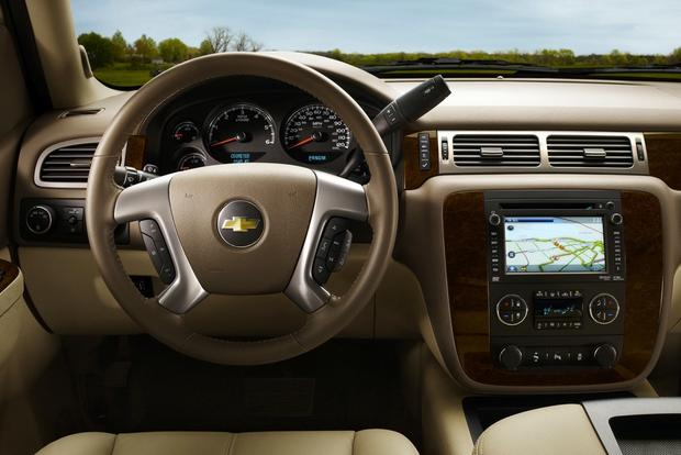 2013 vs. 2014 Chevrolet Silverado featured image large thumb9
