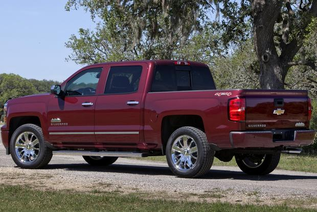 2013 vs. 2014 Chevrolet Silverado featured image large thumb2