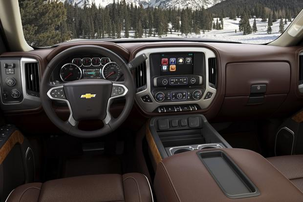 2014 Chevrolet Silverado vs. 2014 Ram 1500: Which Is Better? featured image large thumb3