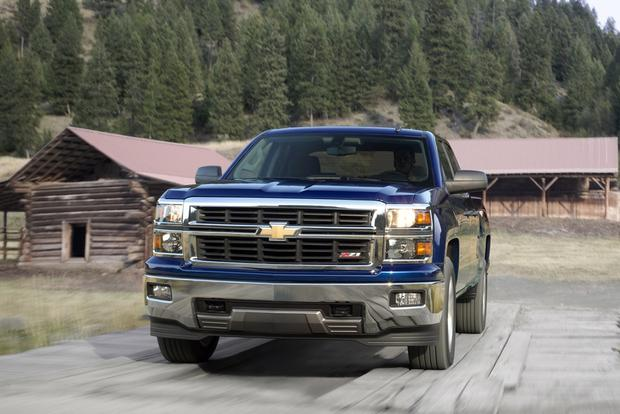 2014 Chevrolet Silverado vs. 2014 Ram 1500: Which Is Better? featured image large thumb2