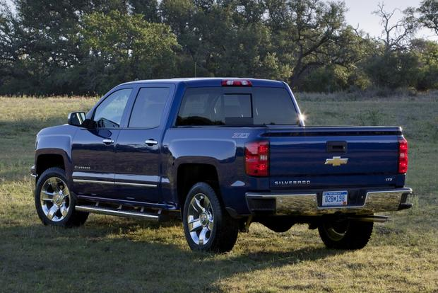 2014 Chevrolet Silverado vs. 2014 Ram 1500: Which Is Better? featured image large thumb1