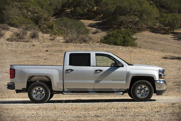 2016 Chevrolet Silverado 1500: New Car Review featured image large thumb2