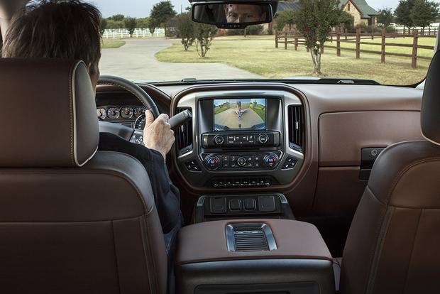 2018 Chevrolet Silverado 1500: New Car Review featured image large thumb4