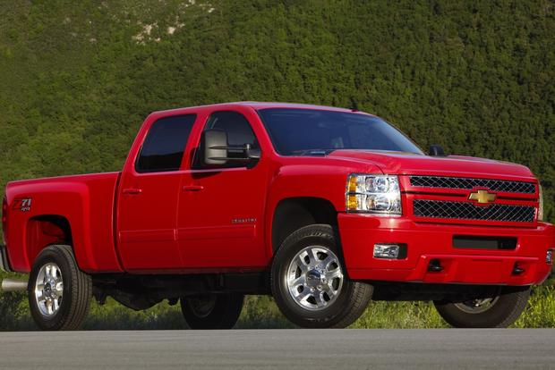 2012 Chevrolet Silverado 2500HD & 3500HD: New Car Review featured image large thumb2