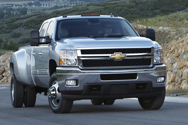 2014 vs. 2015 Chevrolet Silverado HD: What's the Difference? featured image large thumb11