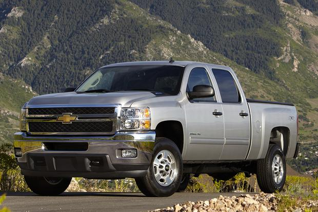 2014 vs. 2015 Chevrolet Silverado HD: What's the Difference? featured image large thumb7