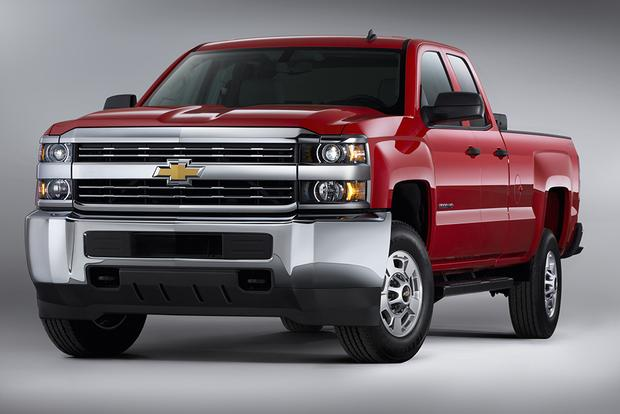 2014 vs. 2015 Chevrolet Silverado HD: What's the Difference? featured image large thumb8