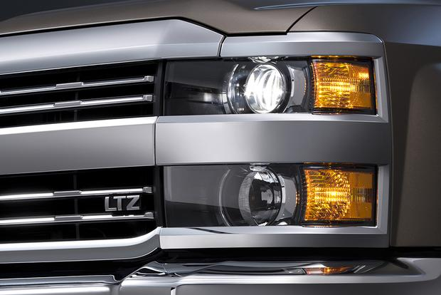 2014 vs. 2015 Chevrolet Silverado HD: What's the Difference? featured image large thumb6