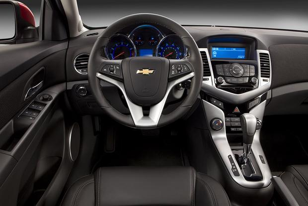 2017 Chevrolet Cruze What S The Difference Featured Image Large