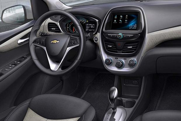 2015 vs. 2016 Chevrolet Spark: What's the Difference? featured image large thumb2