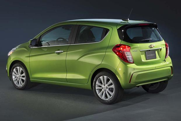 2015 vs. 2016 Chevrolet Spark: What's the Difference? featured image large thumb8