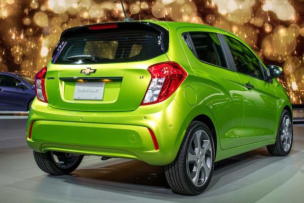 2015 vs. 2016 Chevrolet Spark: What's the Difference? featured image large thumb10