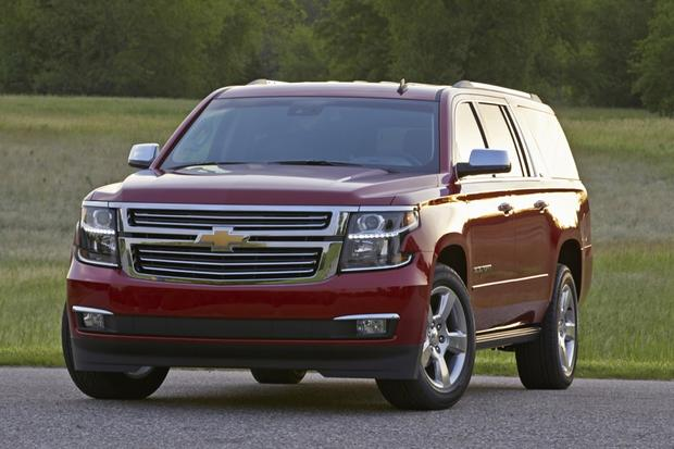 2014 vs. 2015 Chevrolet Suburban: What's the Difference? featured image large thumb1