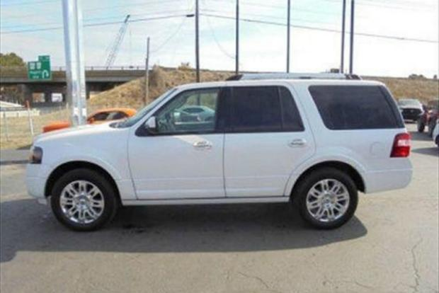 2007-2014 Chevrolet Tahoe vs. 2007-2014 Ford Expedition: Which Is Better? featured image large thumb4
